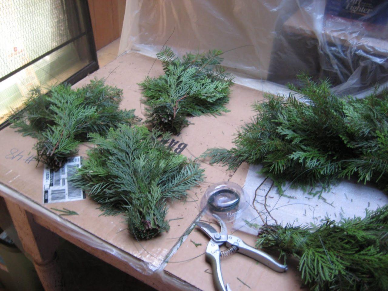 Make-Christmas-Wreath
