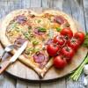 Netradiční valentýnská pizza.