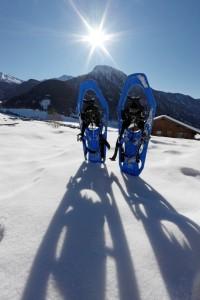 Výlet zimní krajinou Jižního Tyrolska na sněžnicích zvládne i méně zdatný sportovec.