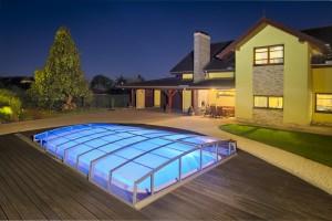 Spolu se stavbou bazénu je dobré vyřešit i osvětlení.