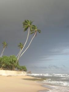Divoký oceán dává často na vědomí, že s ním není žádná legrace.