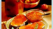 Vynikající je třeba meruňkový džem s mátou.