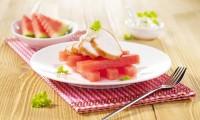 Kuře v kombinaci s melounem je neobvyklá kombinace, ale chutná skvěle!