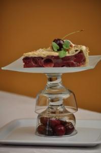 Třešňový koláč z listového těsta.