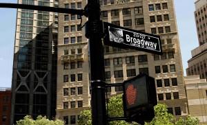 Nejdelší a nejznámější newyorská ulice - Broadway.
