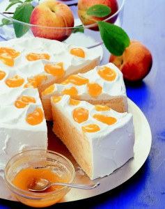Náplň do dortu připravená z plátkové želatiny.