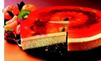 Ovocný dort připravený pomocí cukrárenského želé.