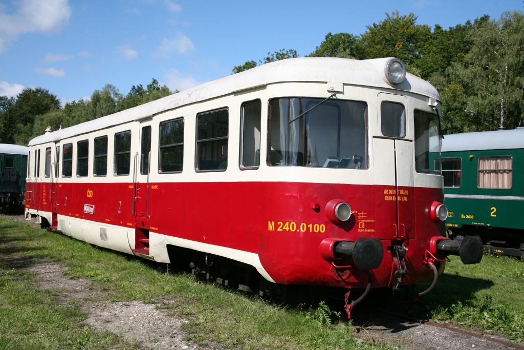 M 240