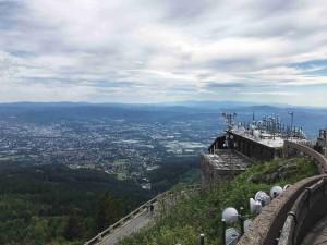 Pohled na Liberec z vrcholu Ještědu.